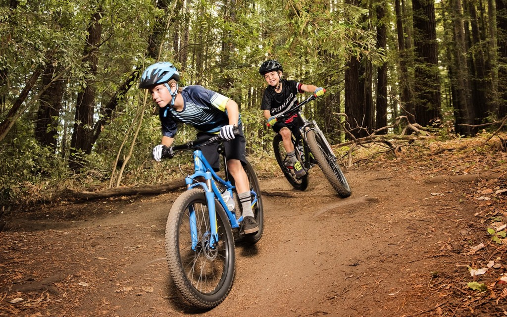 Andar de bicicleta pode ser muito divertido para as camadas mais jovens