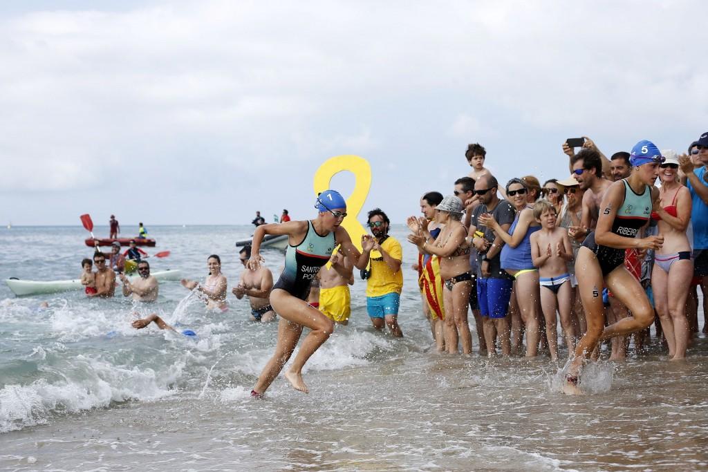 Gabriela Ribeiro fez uma natação forte, saindo em segundo lugar da água