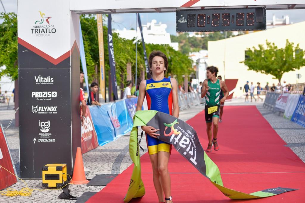 João Nuno Marote a chegar à meta em primeiro no Triatlo de Coruche sagra-se Campeão Nacional em Juvenis