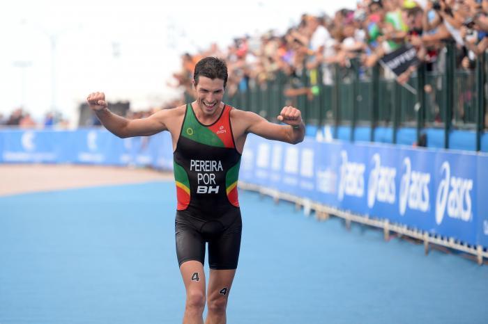 Pela primeira vez na história um triatleta conseguiu ser campeão europeu na distância sprint e na distância olímpica
