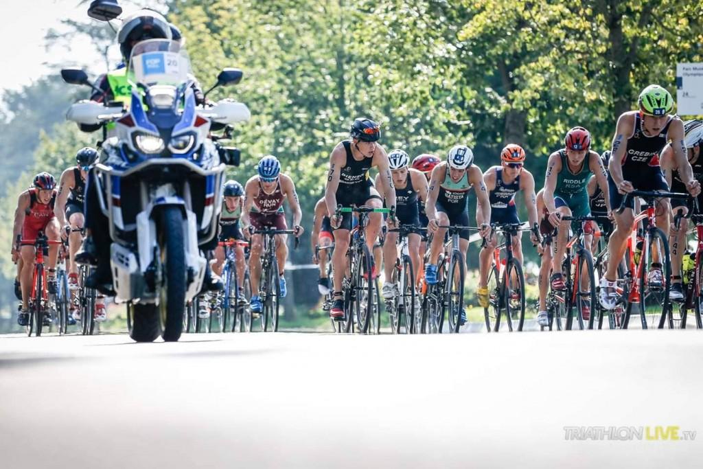 Alexandre Montez seguia no grupo da frente quando saltou a corrente da bicicleta que o fez abrandar e perder posições terminando na 26ª posição
