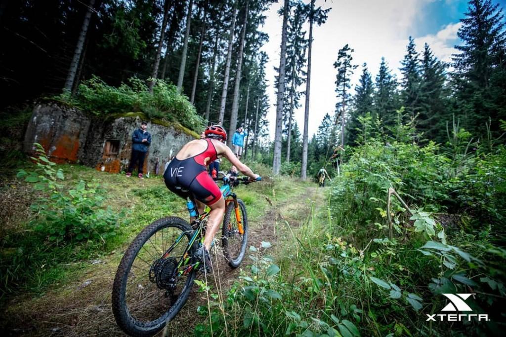 O percurso de ciclismo do XTERRA República Checa foi muito técnico...