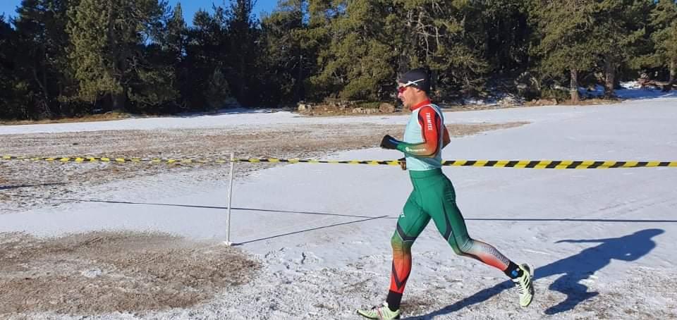 A prova iniciou com 6,55km de corrida, 11,3km de BTT e terminou com 10,5km de um exigente esqui nórdico