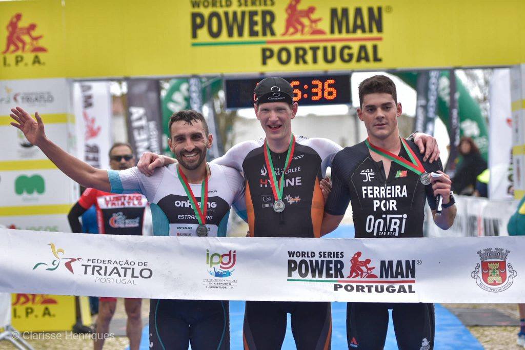 O pódio masculino do Powerman foi constituído por Seppe Odeyn, João Ferreira e José Estrangeiro